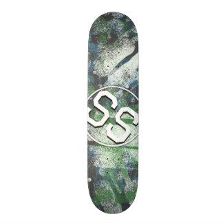 Painted skateboards painted skateboard decks for Best paint for skateboard decks