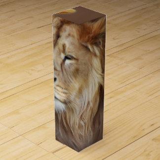 Painting Lion Wine Box