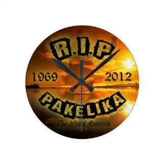 Pakelika Tribute Clock