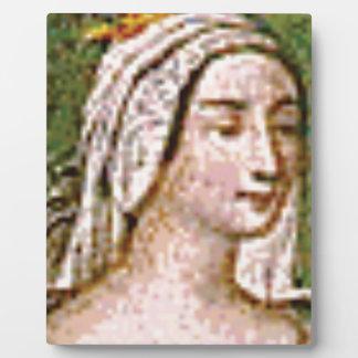 pale fair queen plaque