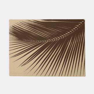 Palm leaf - Dark brown and tan Doormat