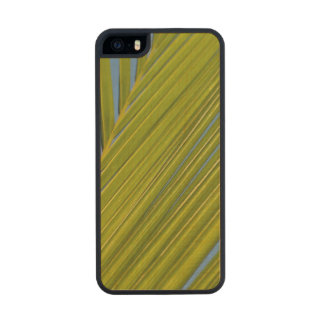 Palm Leaf Carved® Maple iPhone 5 Slim Case