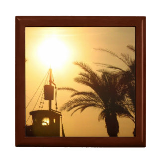 Palm Trees Ship Sun Cool Tile Gift Box, Golden Oak Gift Box