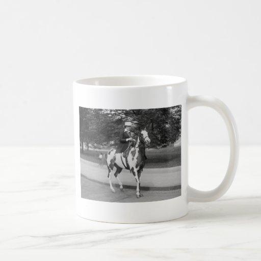 Palomino Pony, 1915 Mug