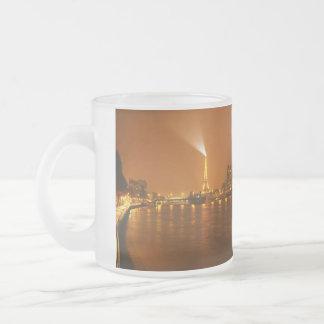 Panorama d'horizon de nuit de Pont Mirabeau Paris  Mug En Verre Givré