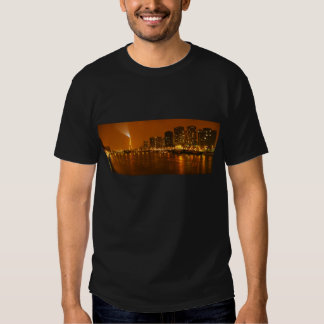 Panorama d'horizon de nuit de Pont Mirabeau Paris Tee-shirt