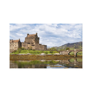 Panorama Eilean Donan Castle viewed from south Canvas Print