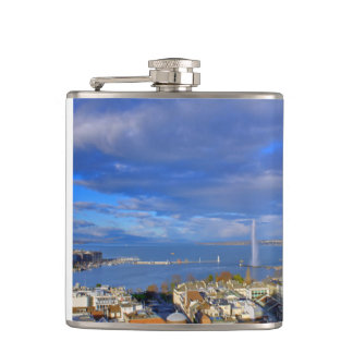 Panoramic view of the Geneva water jet Hip Flask