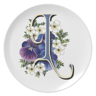 """Pansy Initials on a Dinner Plate - """"L"""""""