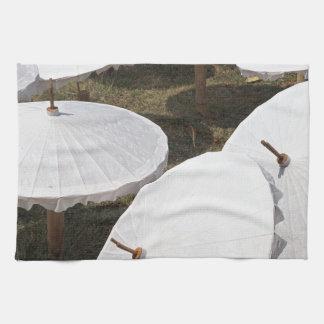 paper umbrella hand towels