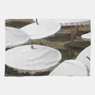 paper umbrella towels