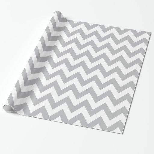 Papier d 39 emballage gris clair et blanc de chevron papier - Papier cadeau personnalise ...