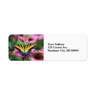 Papillon de machaon étiquette d'adresse retour