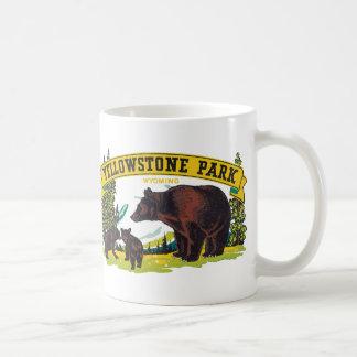 Parc national vintage de Yellowstone avec des ours Mug Blanc