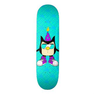 Party OWL Nite™ Brand Teal Sky Skateboard