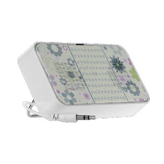 Pastel dots and flowers mp3 speaker