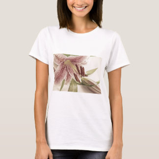 Pastel Lilly. T-Shirt