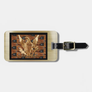 Patriot on wood background luggage tag