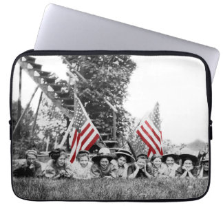 Patriotic Group Women American Flag Circa 1910 Laptop Sleeve