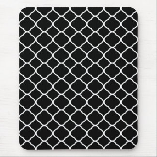 Pattern Modern Black and White Elegant Quatrefoil Mouse Pad