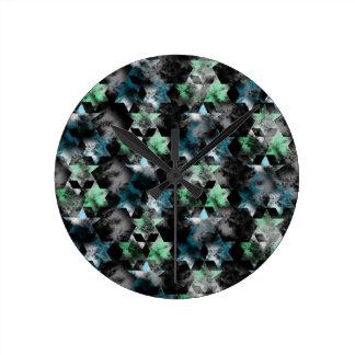 pattern P Round Clock