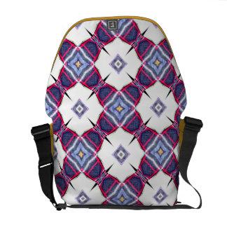 Pattern tre messenger bag