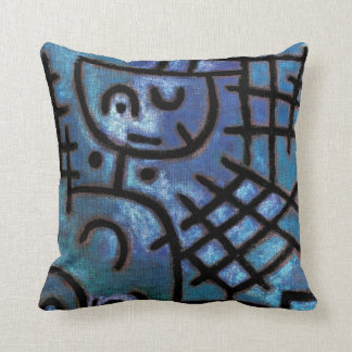 Paul Klee: Captive Throw Pillow