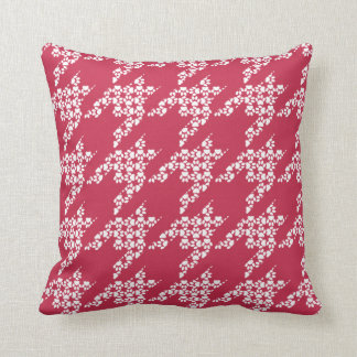 Paws-for-Décor Houndstooth Pillow (Red)