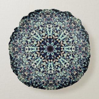 Pebbles Beach Mandala Round Pillow