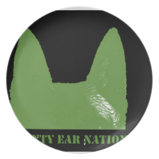 PEN Green on black Party Plates
