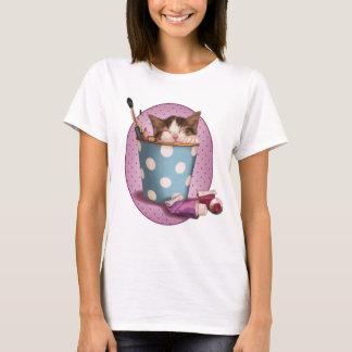 Pencil pot kitten T-Shirt