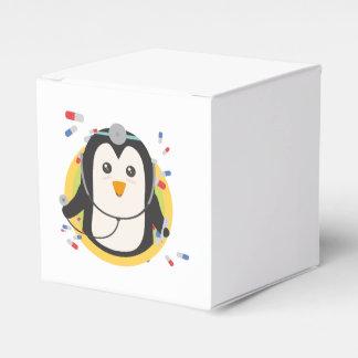 Penguin doctor in circle Z2j5l Favor Box