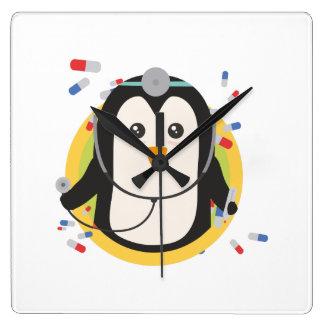 Penguin doctor in circle Z2j5l Wallclocks