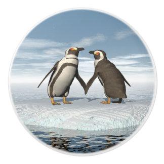 Penguins couple ceramic knob