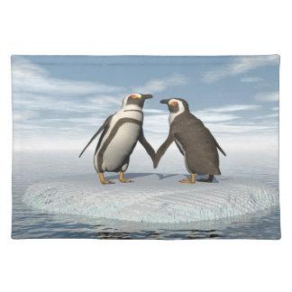 Penguins couple placemat