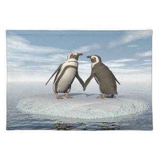 Penguins couple placemats