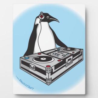 penguinX3[1] Plaque