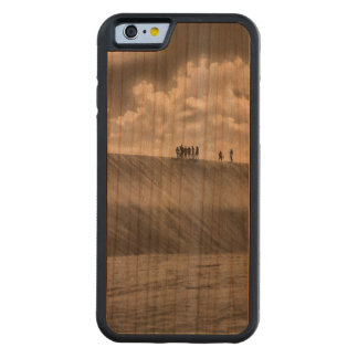 People Walking at Dune Jericoacoara Brazil Carved Cherry iPhone 6 Bumper Case