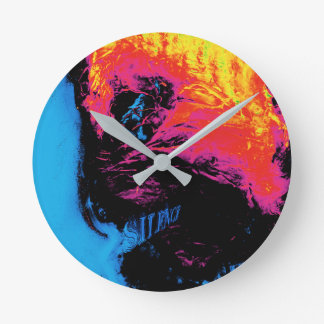 pepper and plastic silenced round clock