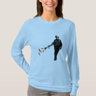 pepper spray cop T-Shirt
