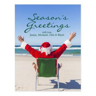 Père Noël détendant sur une plage australienne Cartes Postales