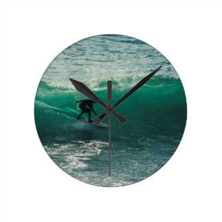 perfect wave round clock