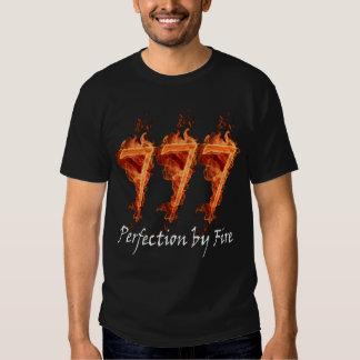 Perfection 777 par le T-shirt du feu