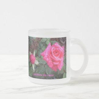 pétales de rose frosted glass coffee mug