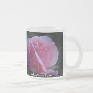 pétales de rose frosted glass mug