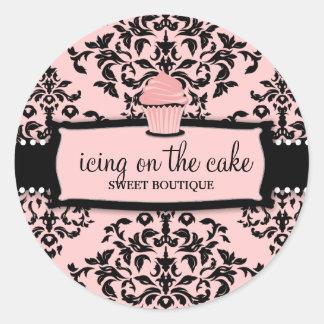 Petit gâteau doux de rose de glaçage de la cerise sticker rond