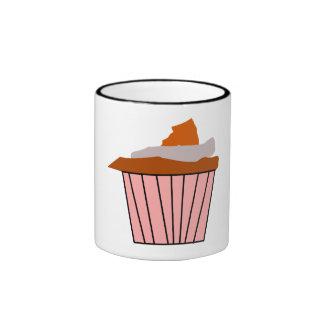 Petit gâteau mignon délicieux mug ringer