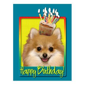Petit gâteau Pomeranian d'anniversaire Cartes Postales