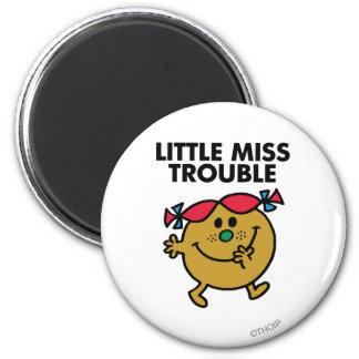 Petit lettrage noir de Mlle Trouble   Magnet Rond 8 Cm
