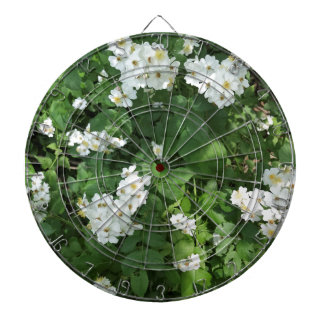 Petite white flower bunches, with yellow center dartboard